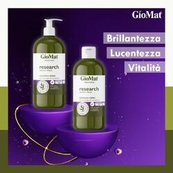 VIOLET | Shampoo e Balsamo studiati per neutralizzare i riflessi gialli dei capelli grigi, biondi, schiariti, decolorati o con meches.